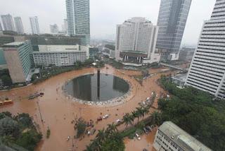 Bundaran HI Jakarta, great flood, environment in Jakarta