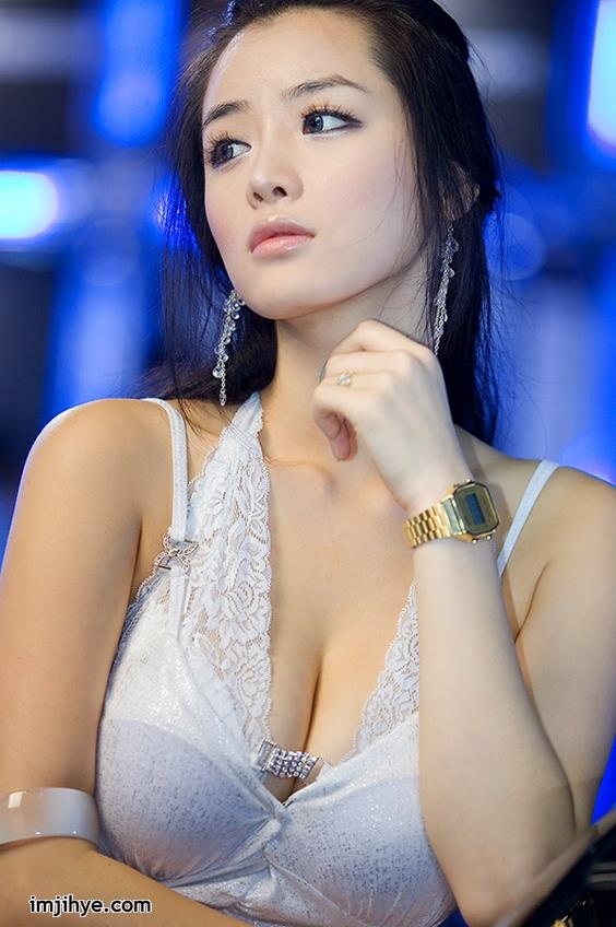 Chinese women strip