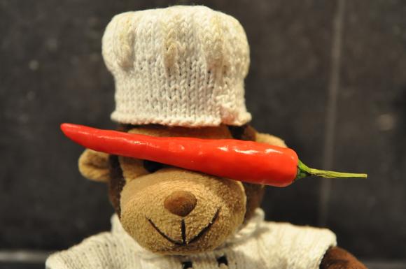 Mat med Monkis rød chili i øynene