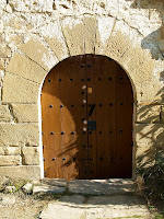 Portalada de Sant Pere de Vallhonesta