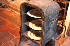 The first microwave oven! (Plate warmer)