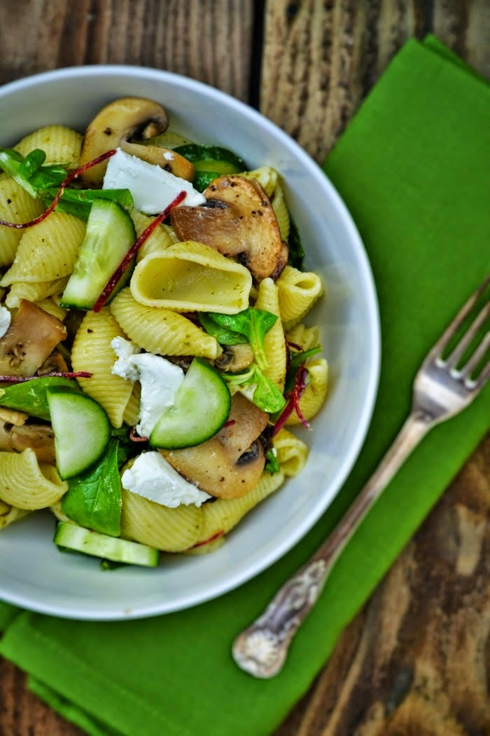 Conchiglioni Pasta Salad with Mushrooms and Goats' Cheese Great for dinner or lunch.