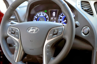 2014-Hyundai-Azera-Photo-interior