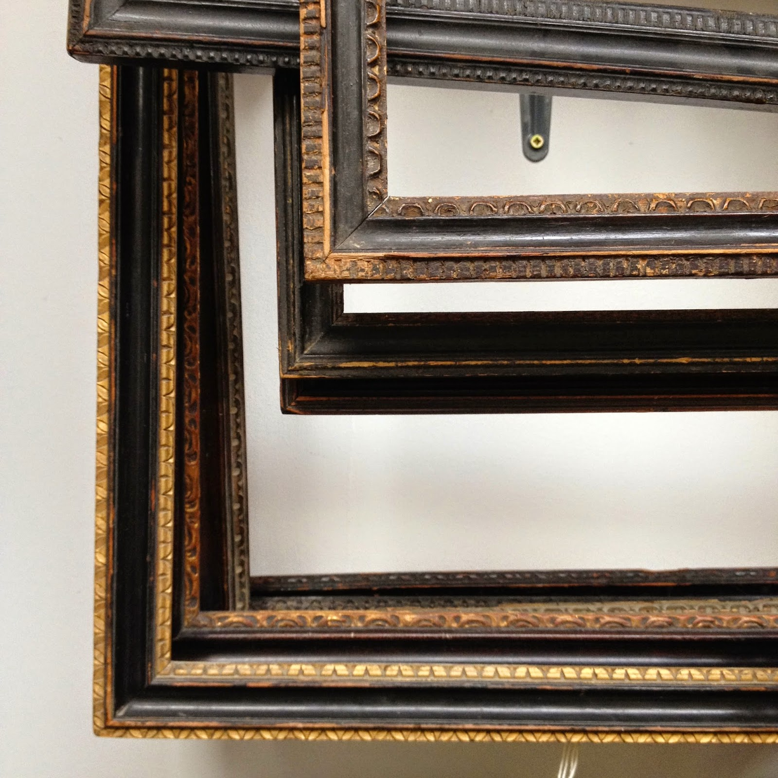 Framemaker: Carved Hogarth Style Frames