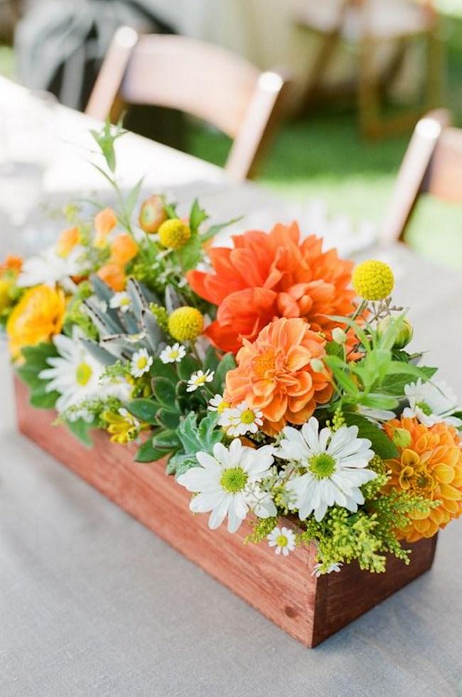 37 fotos de centros de mesa para boda insp rate for Como decorar cajas de madera para centros de mesa