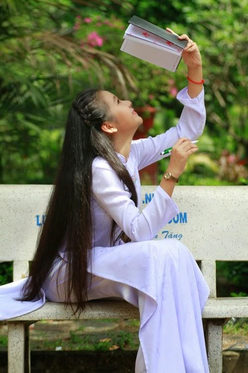 Diễn viên nhí Tam Triều Dâng xinh xắn với áo dài 6