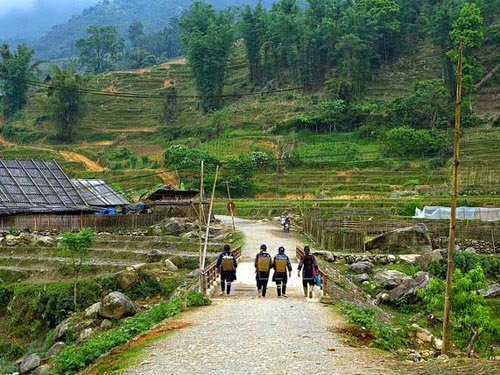 Sapa mountain trekking & homestay tours 1