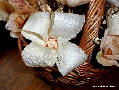 Цветы из листьев кукурузы