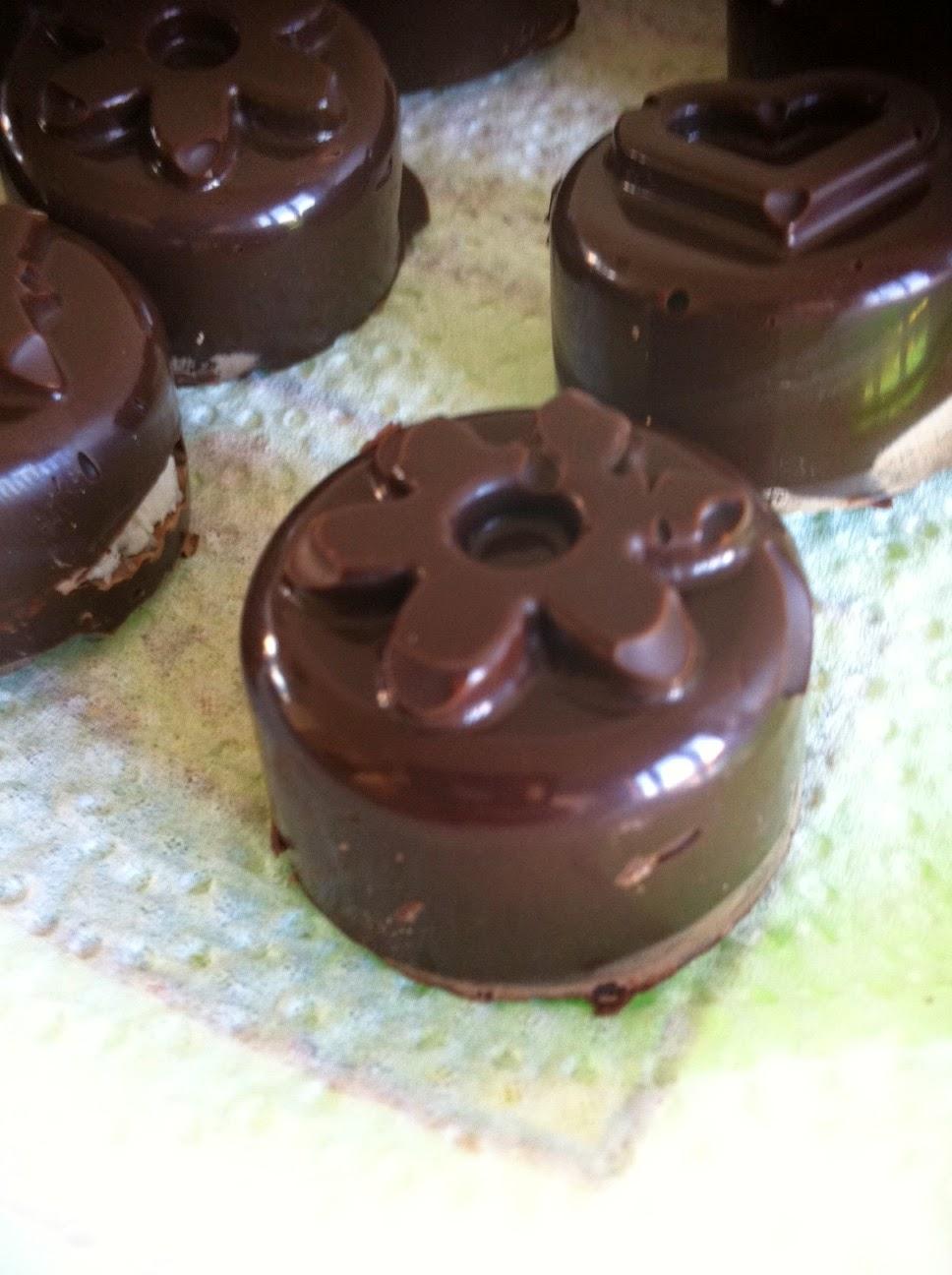 bimby, cioccolatini al cocco con il cioccolato delle uova di pasqua