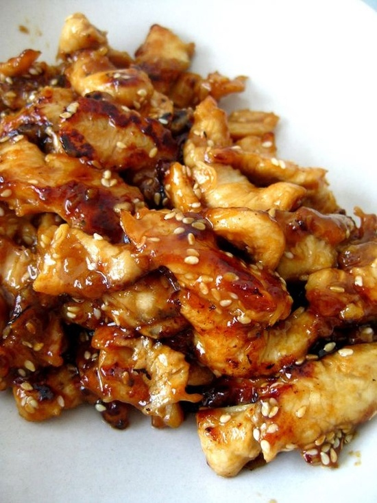 Crock Pot Honey Garlic Chicken – Easy crock pot recipe for chicken thighs cooked in an incredibly delicious honey garlic sauce. Crock Pot Honey Garlic Chicken is a simple chicken thighs recipes prepared with a sticky-sweet honey garlic sauce. Juicy and tender chicken that will have everyone.
