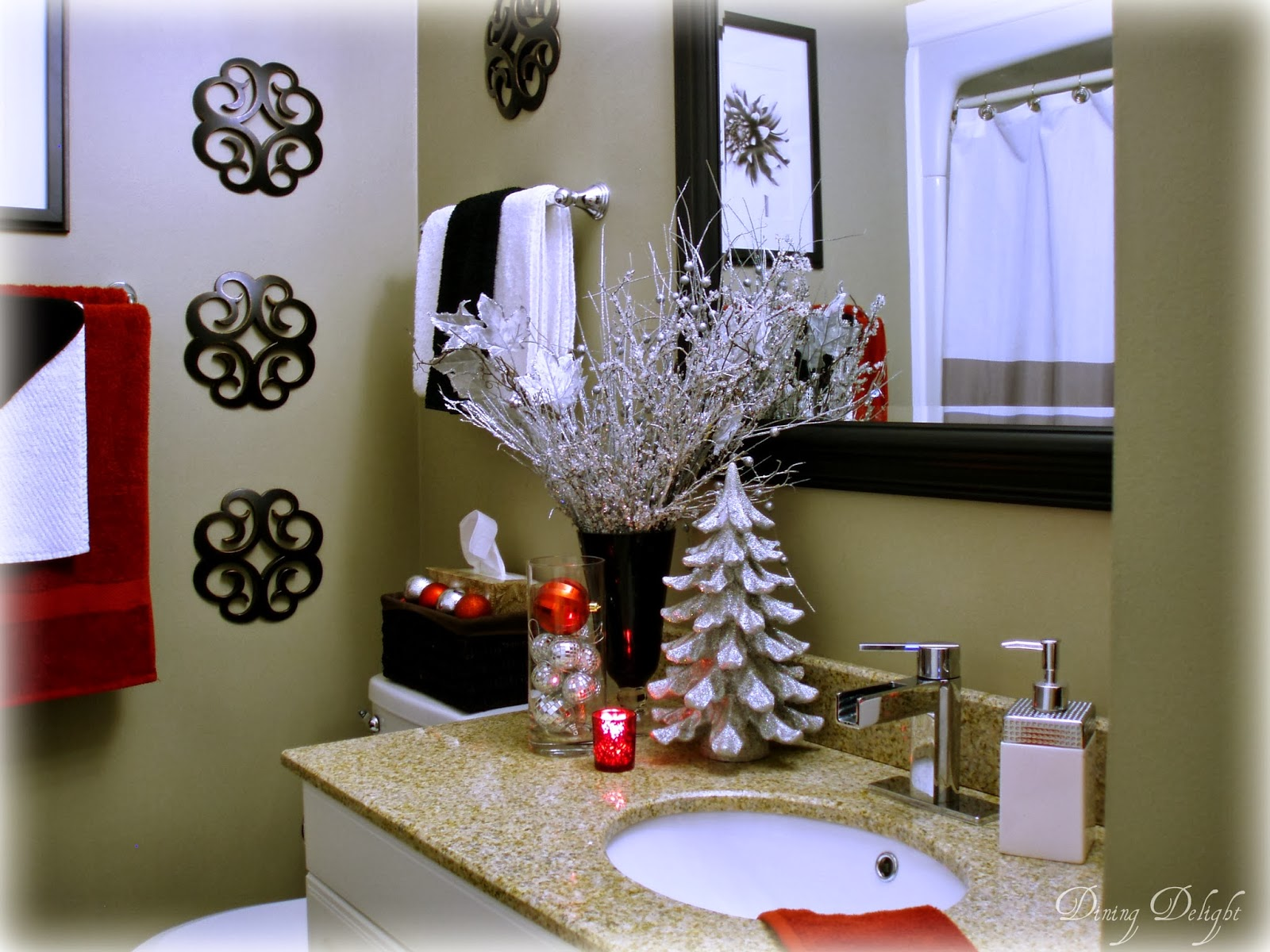 Diy christmas bathroom decor - Christmas D Cor In Bathroom