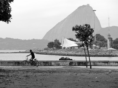 Black and White Rio, By Guillermo Aldaya / PhotoConversa