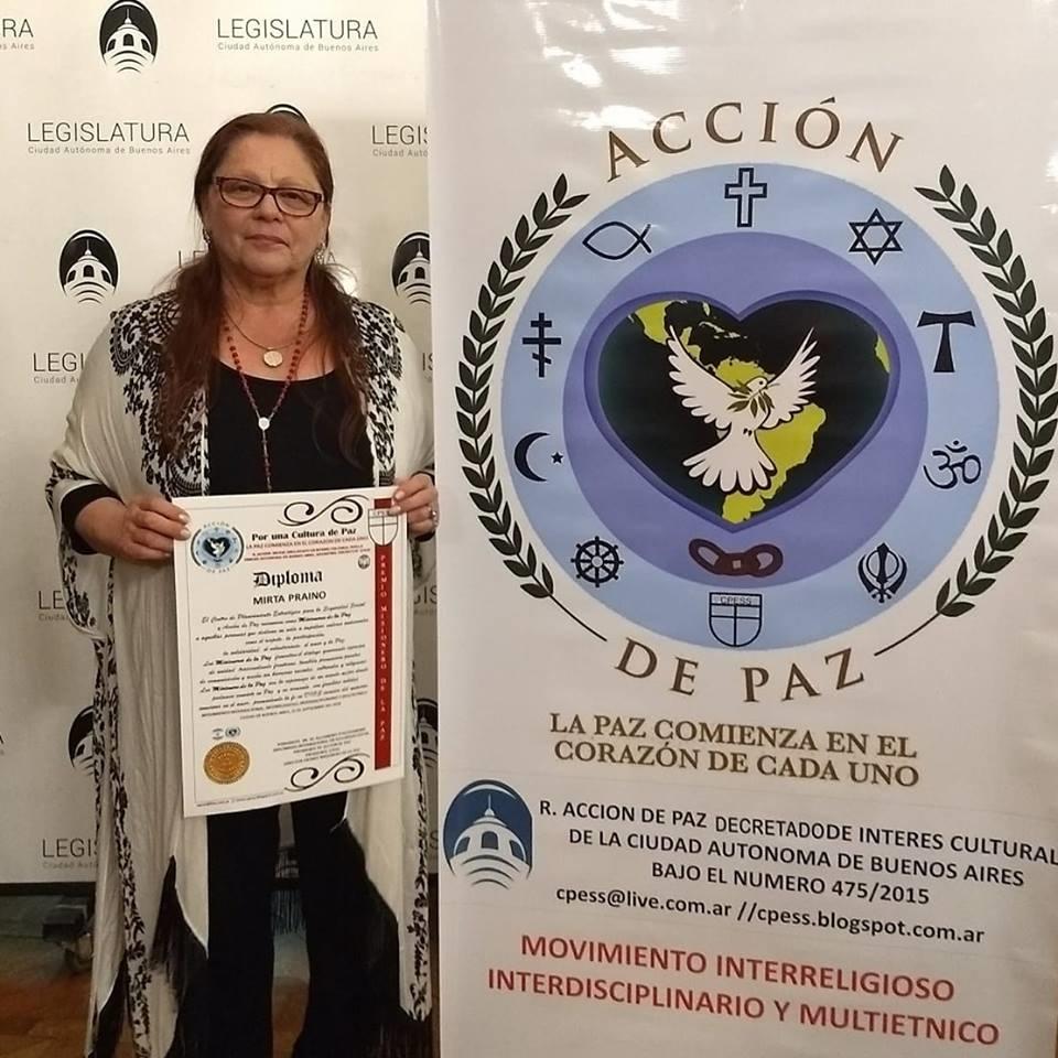 Mirta Praino Presidenta del Foro Mujeres de Iberoamerica Recibe Diploma de Mensajera de la Paz