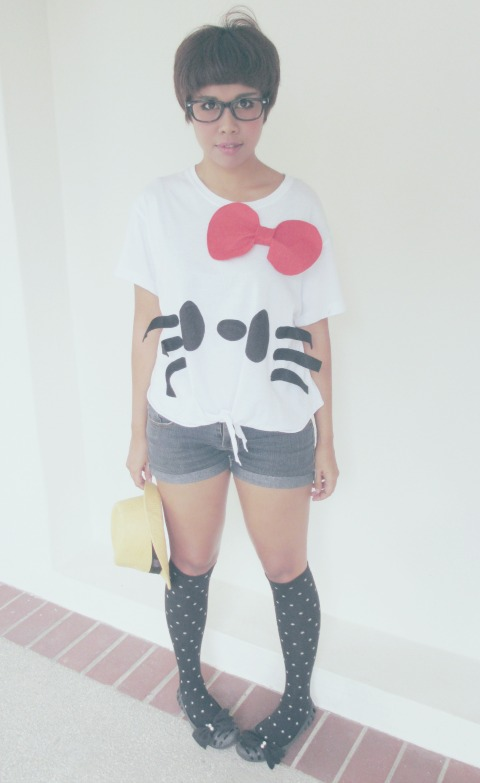 DIY hello kitty shirt, cute cut off shorts, knee high socks, DIY bow shoes, kawaii clothes