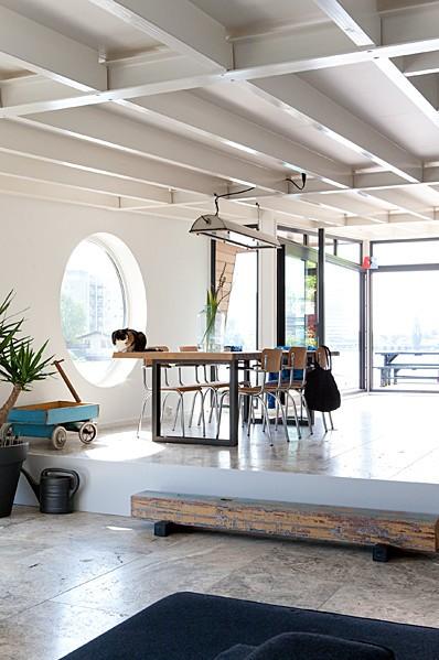 atmospheres p niche. Black Bedroom Furniture Sets. Home Design Ideas