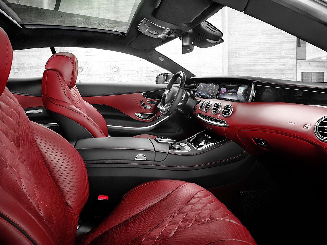 Mercedes-Benz S-Class Coupé interior red