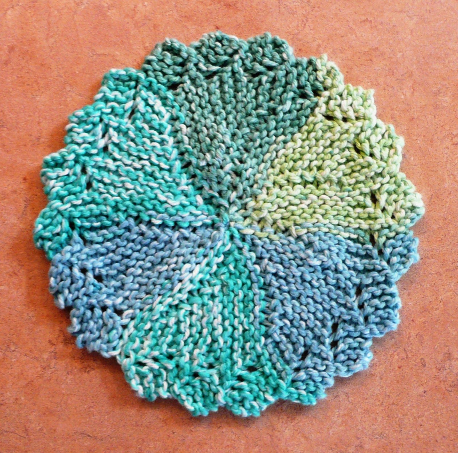 Free Knitted Round Dishcloth Patterns : Perfect One-Ounce Dishcloth - FREE Patterns: FREE PATTERN #11 - Knitlist Lacy...