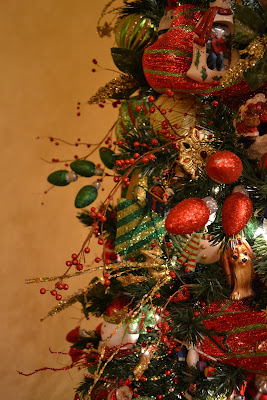 kristens creations decorating a christmas tree with mesh ribbon tutorial - Mesh For Christmas Tree Decorating