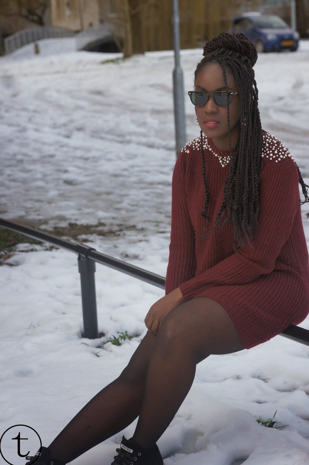 burgundy pullover outfit