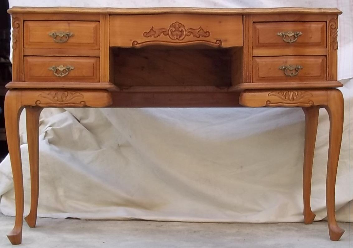 Marchetaria Ururahy: Restauração Escrivaninha Antiga #7E4527 1133x797