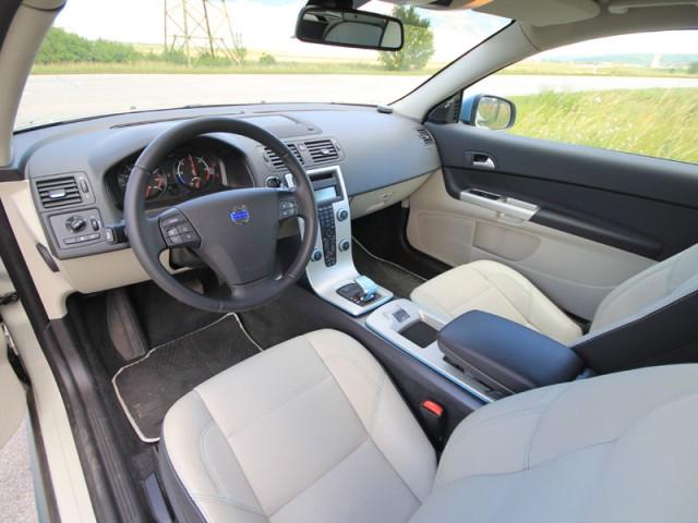 2013 volvo c30 interior