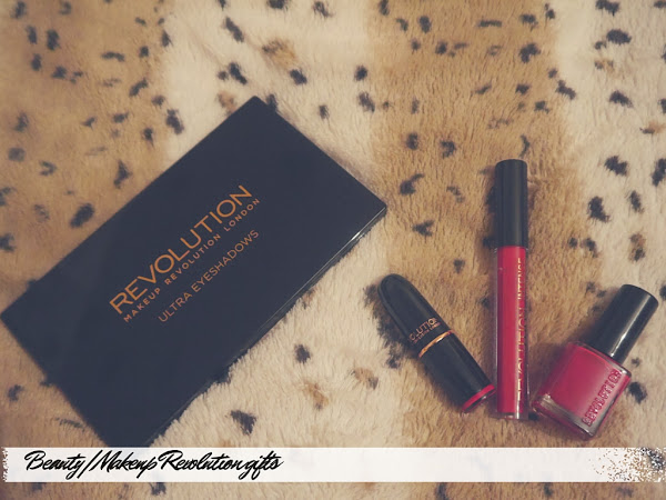 BEAUTY | MAKE UP REVOLUTION BEYOND FLAWLESS PALETTE AND COLOUR BLOCK GIFT SET