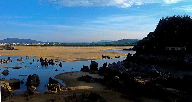 Ría y Playa de Joyel