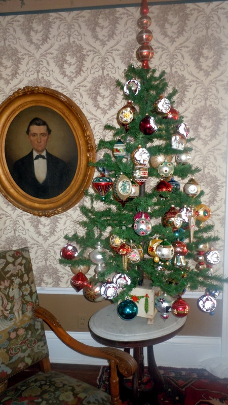 The Christmas Feather Tree - My Old Historic House: The Christmas Feather Tree