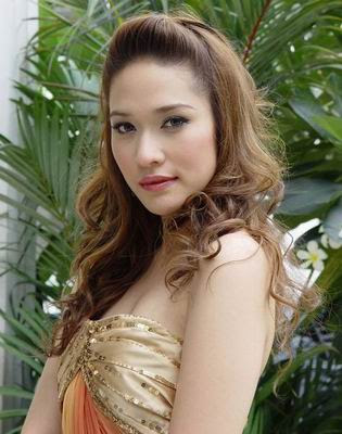 Thai Actress Ploy Chermarn