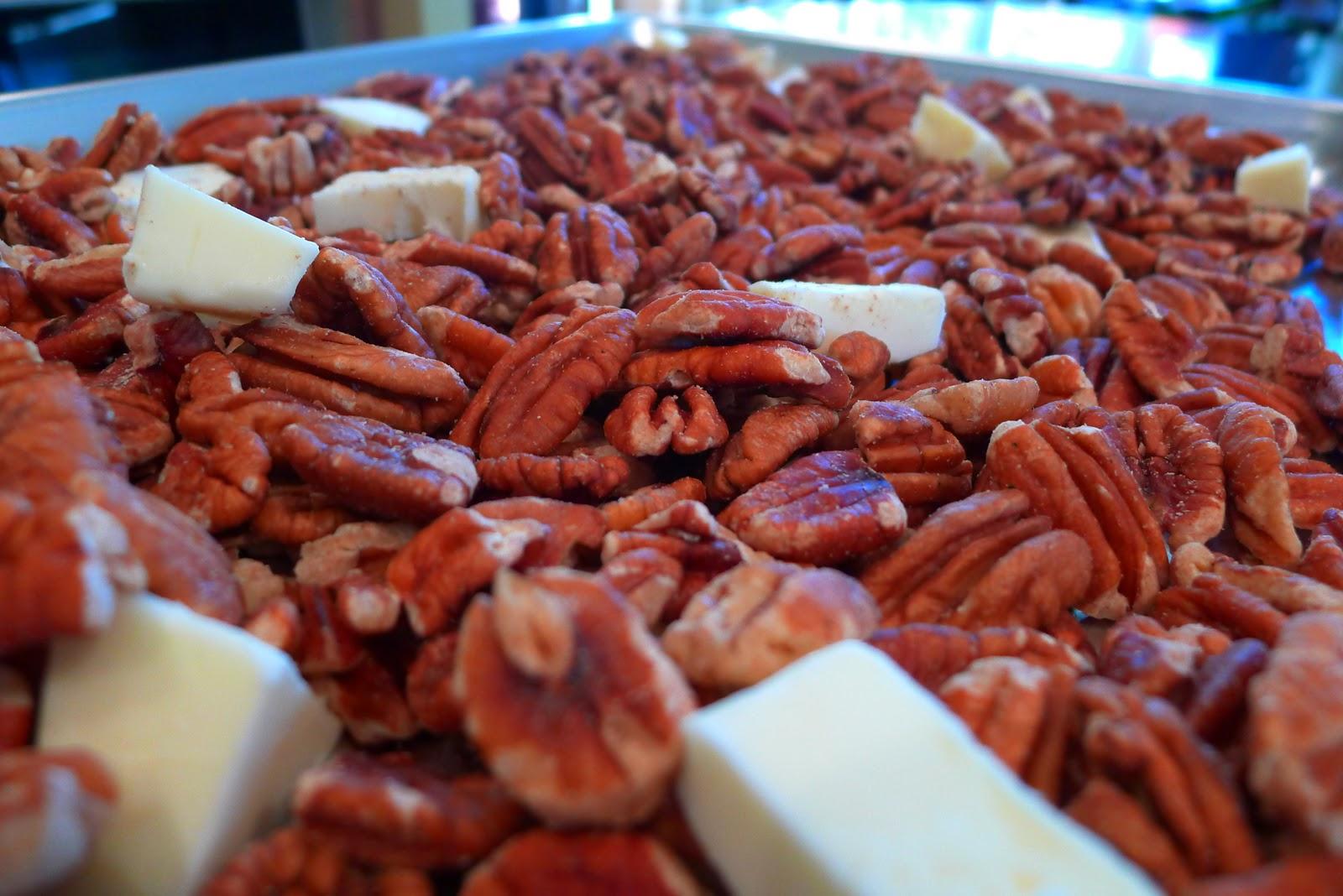Sugartown Sweets: Roasted Pecan Clusters