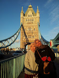 London Bridge with Kak Adilah Sayang