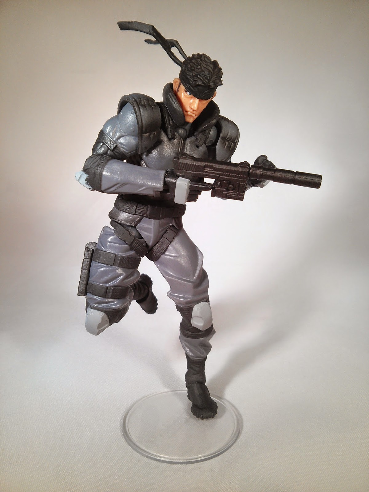 Solid Snake in running awesomely pose