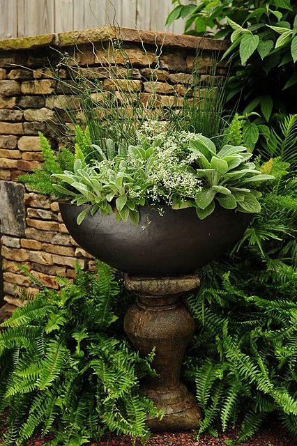 Simple Details Charming Garden Ideas