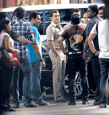 Salman Khan on location photo shoot in police dress
