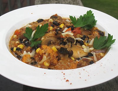 Black Bean and Quinoa Mexican-Style Chipotle Vegetarian Chili | Lisa's ...