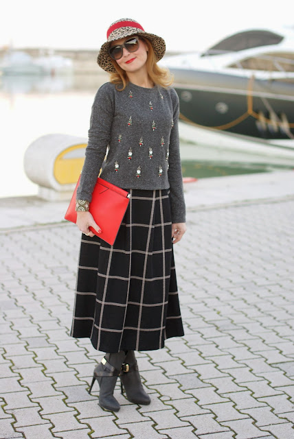 rhinestones sweatshirt, embellished top, check midi skirt, leopard hat, Fashion and Cookies, fashion blogger