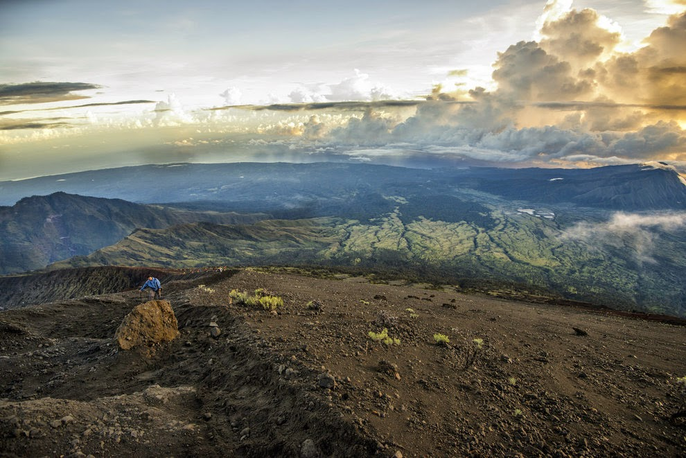 Mt Rinjani, 2nd highest volcano in Indonesia