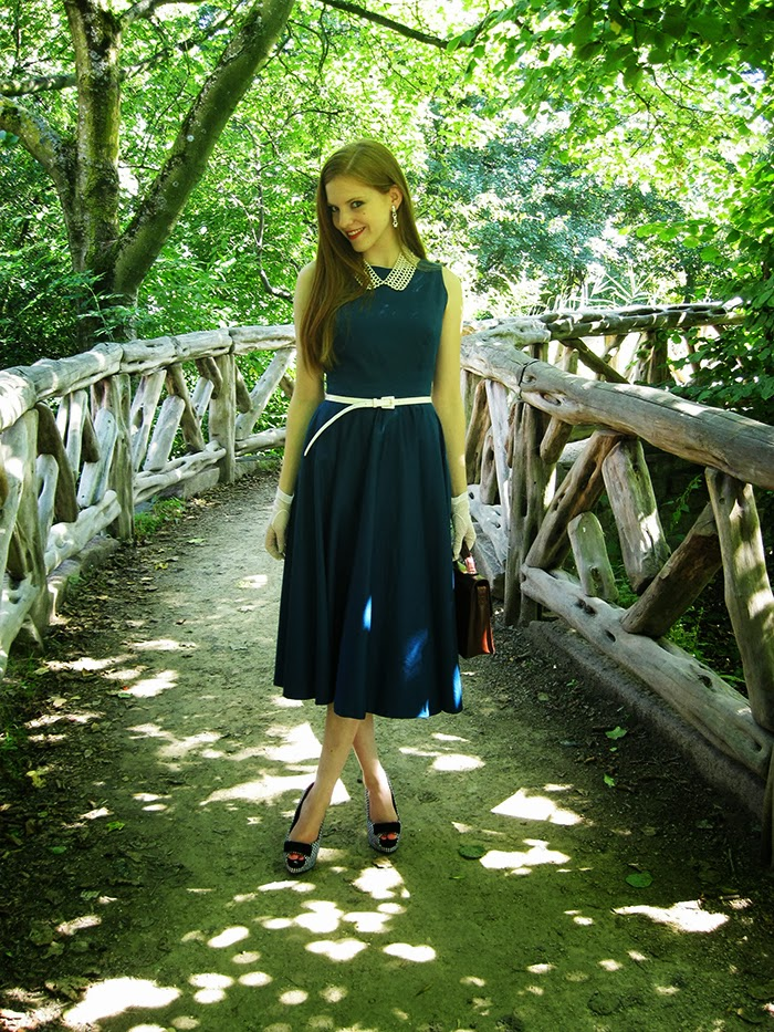 fashion blogger outfit self made dress sewed sewing circle dress vintage 50s