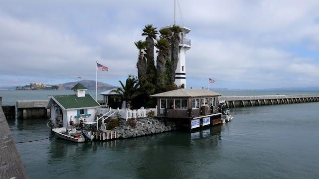 Forbes Island no Pier 39