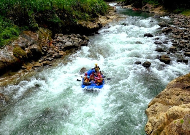 Wisata Alam Sungai Nimangga Minahasa