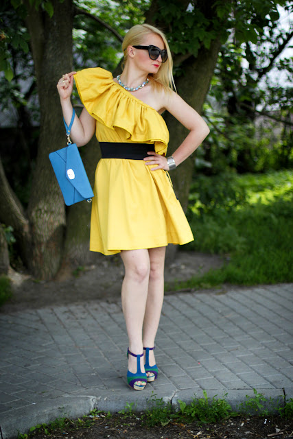 Yellow Ruffles