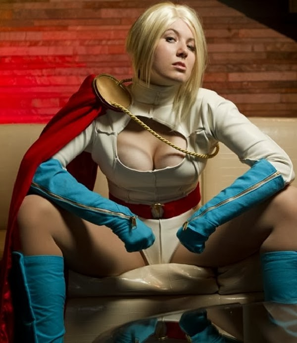 Power Girl (DC Comics) Especial Cosplay
