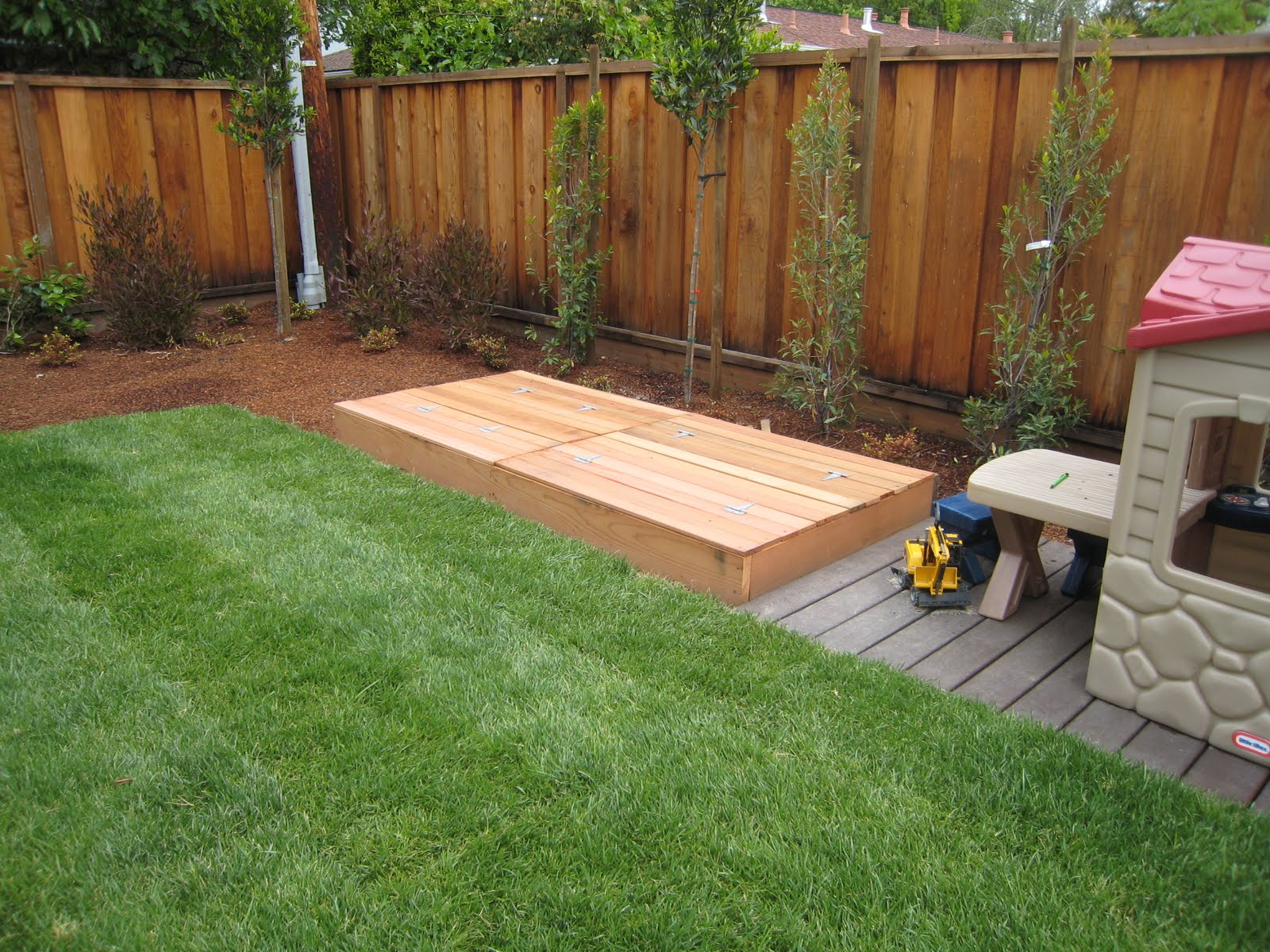 Lazy Hacker Babble: Sandbox with Seating