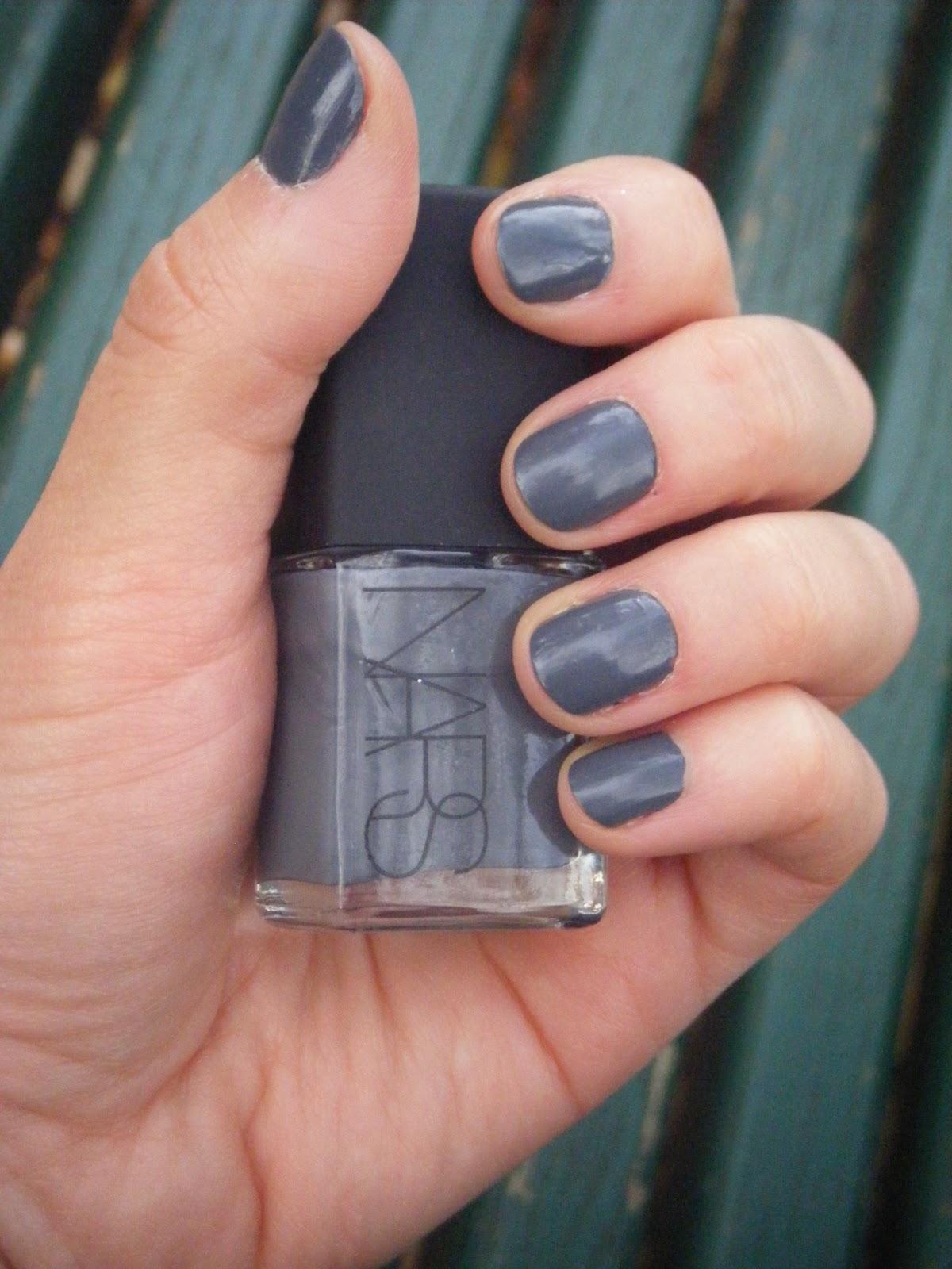 Journal d 39 une beauty paresseuse le vernis gris nous for Que veut dire la couleur rouge