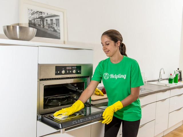 helpling part time helper cleaning kitchen