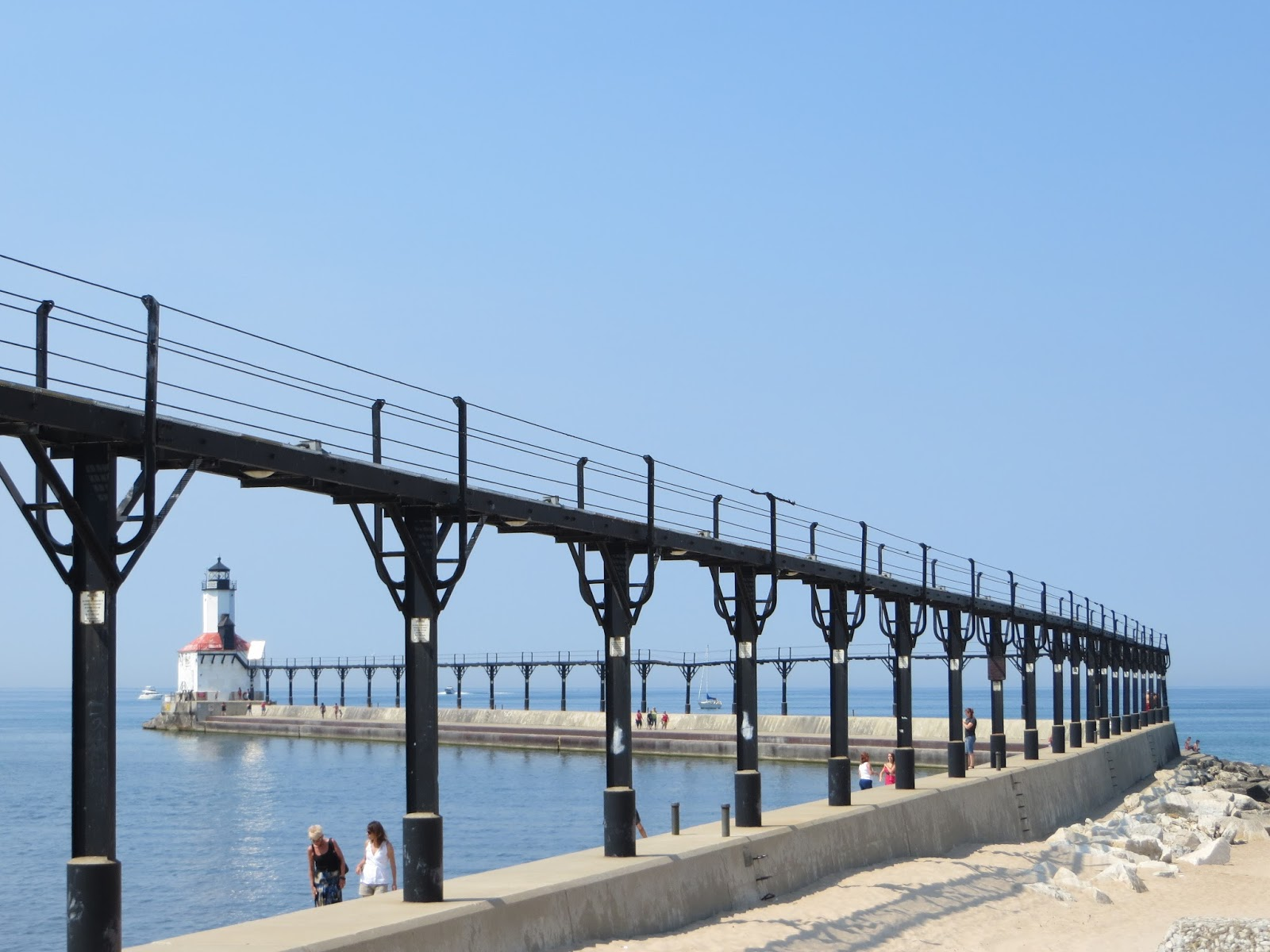 Mv help me rhonda michigan to indiana south haven to for Beach house designs south haven mi