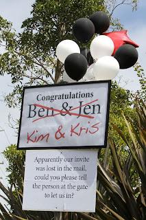 Few PicTures Of Kim Kardashians Wedding! 11