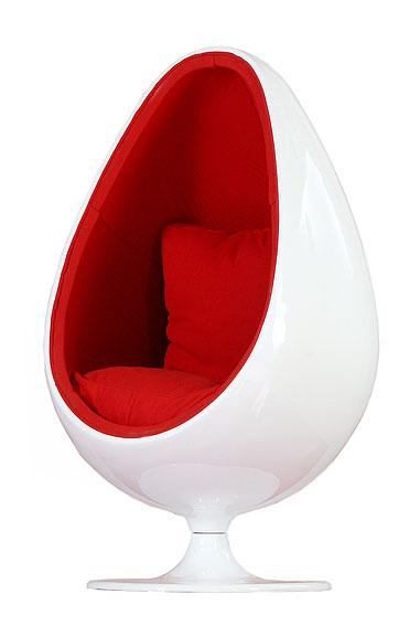 Decorando y renovando objetos ic nicos sill n huevo for Silla huevo colgante