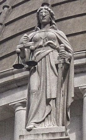 statue-of-lady-justice
