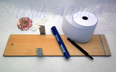 Grocery List On A Roll ~ literally !  DIY with everyday stuff !   #crafts #organizing #grocerylist #diy via:withablast.blogspot.com